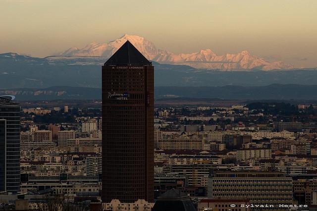 Mont Blanc et la chaîne des Alpes depuis Lyon