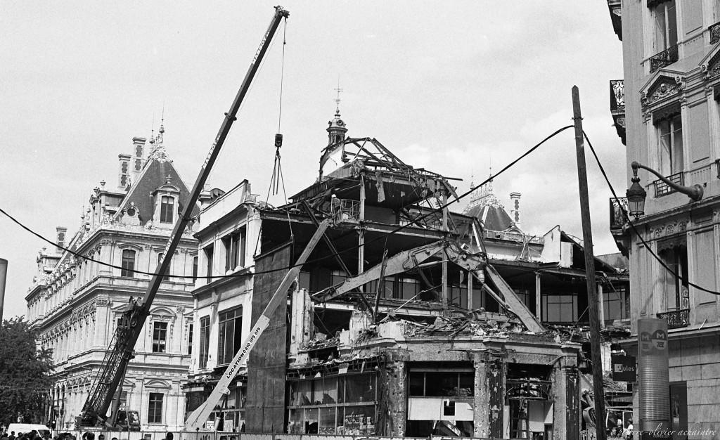 destruction grand bazar cordeliers