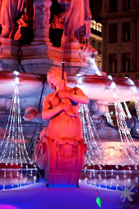 photo fontaine des Jacobins pour la fête des lumières lyon