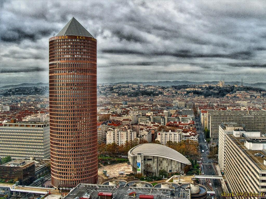 http://bonjour-lyon.fr/wp-content/uploads/2012/06/Crayon-depuis-tour-Oxyg%C3%A8ne.jpg