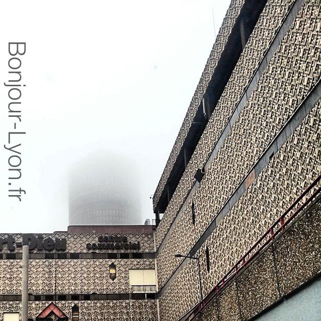 lyon-brouillard-part-dieu