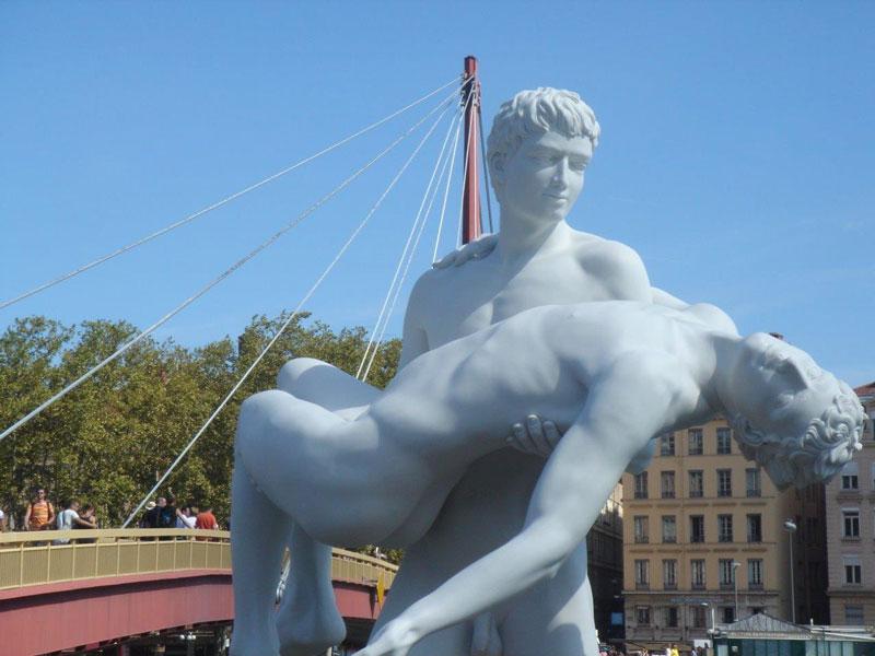 sculpture quai de saone lyon
