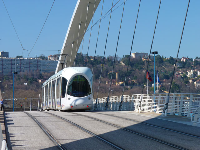 tram-pont-raymond-barre