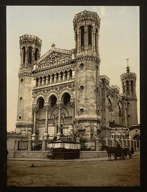 Photo de la basilique de Fourvière au siècle dernier