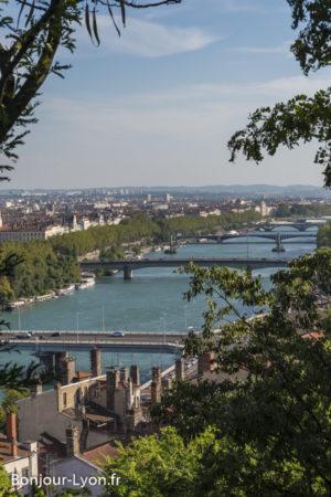 Lyon ponts enfilade Rhone